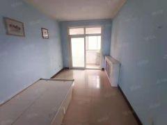 广电小区3室2厅1卫1200元/月118m²出租