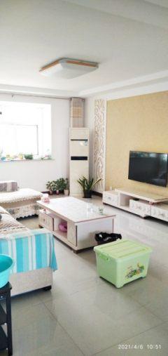 出售(千泉街道)圣泉花苑3室2厅2卫138.33平简单装修